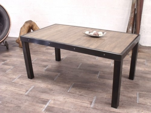 Table manger industrielle meuble de style industriel for Table de salle a manger sur mesure
