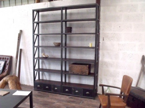biblioth que industrielle bois m tal meuble de style industriel bois et acier sur mesure. Black Bedroom Furniture Sets. Home Design Ideas
