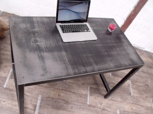 table-bureau_metal0.JPG